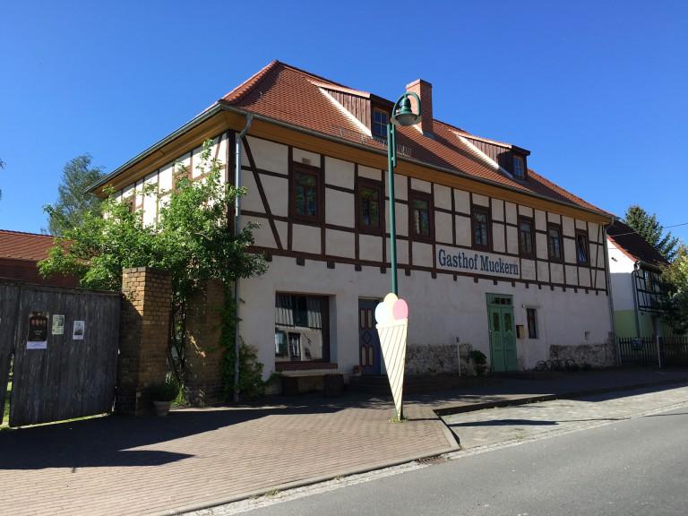 Dreiskau pub
